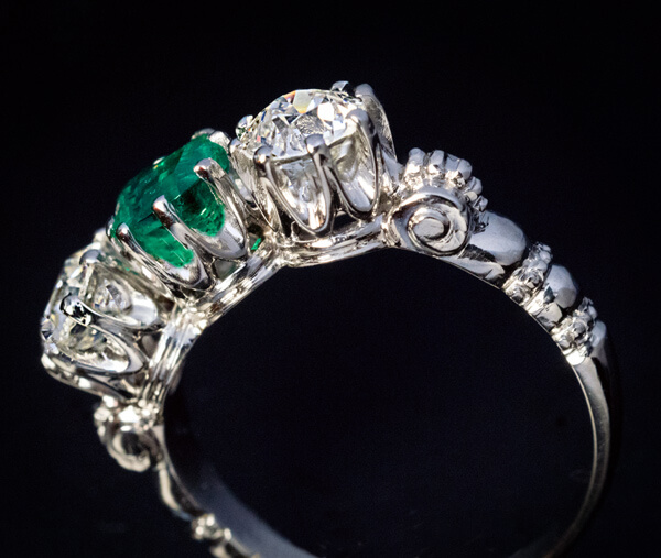 3bad17c96cd18 Vintage Emerald Diamond Platinum Three Stone Ring - Antique Jewelry ...