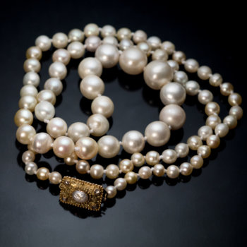 vintage pearl necklace with a gold clasp