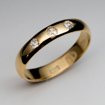antique gold wedding band with diamonds