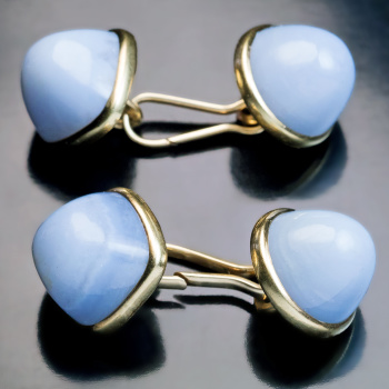 antique gold and carved agate double cufflinks