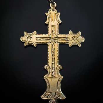 antique 19th century engraved gold cross pendant