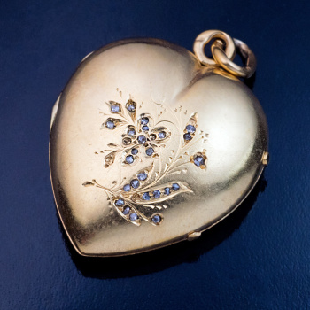 antique gold heart pendant locket