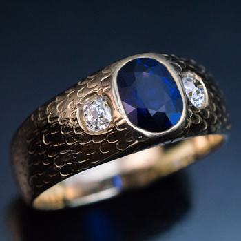 vintage three stone sapphire diamond ring