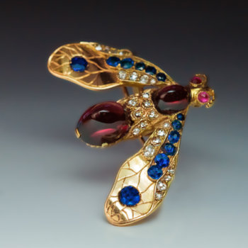 antique insect jewelry - gold sapphire diamond garnet ruby bee brooch