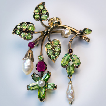 Art Nouveau antique demantoid pearl ruby brooch pendant