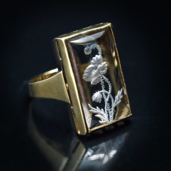 vintage engraved rock crystal gold ring