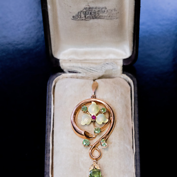 Art Nouveau demantoid pendant