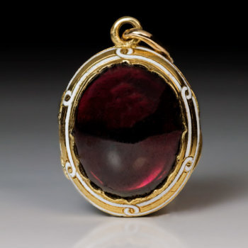 antique Victorian cabochon garnet pendant locket