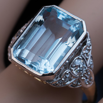 Art Deco vintage aquamarine diamond platinum gold ring
