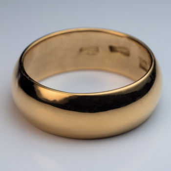 antique low dome gold wedding band