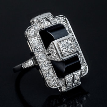 Art Deco onyx and diamond vintage cocktail ring 1920s