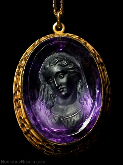 Victorian amethyst cameo pendant antique jewelry vintage rings a superbly carved antique victorian amethyst cameo pendant c1890 mozeypictures Images