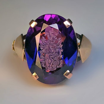 Art Deco vintage signet ring - synthetic color change sapphire
