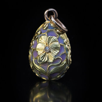 Art Nouveau flower gold and enamel egg pendant