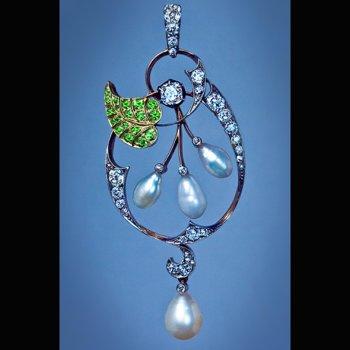 Art Nouveau pearl diamond and demantoid pendant