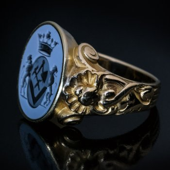 vintage agate intaglio gold signet Masonic ring