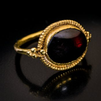 ancient Byzantine gold garnet ring