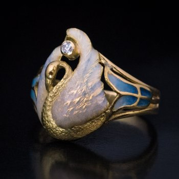 Art Nouveau French gold and enamel ring c. 1900