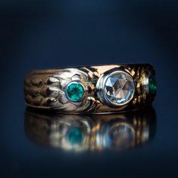 Antique Art Nouveau rose cut diamond and emerald three stone ring