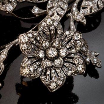 Antique En tremblant Old Mine Cut Diamond Brooch Pin