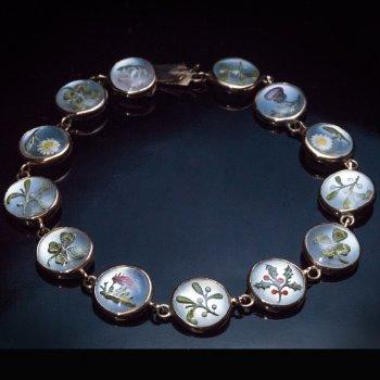 Antique reverse intaglio crystal gold bracelet
