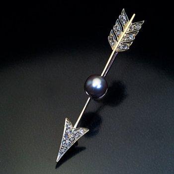 Antique arrow brooch