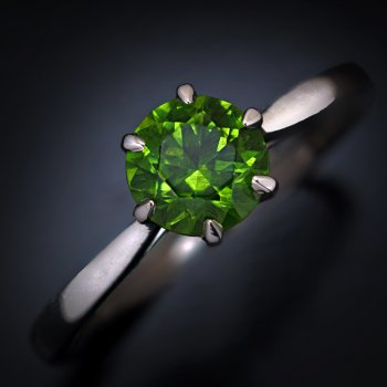 1 ct demantoid ring from Russia