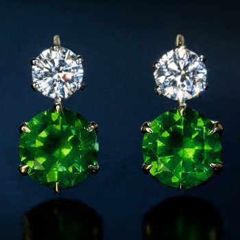 4.46 cts Russian demantoid and 1 ct diamond earrings - AGL and GIA certified