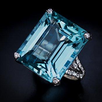 24 Ct aquamarine and diamond ring