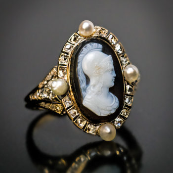 Victorian antique cameo ring - Athena