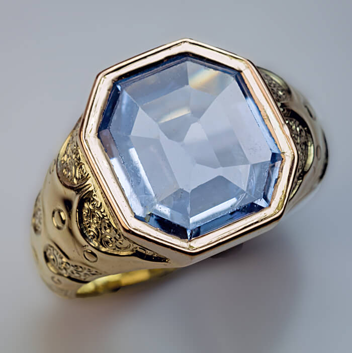 Antique 7 Ct Blue Sapphire Chased Gold Men S Ring
