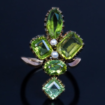 antique peridot ring