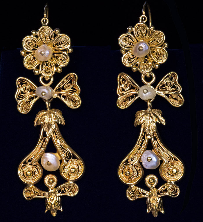 Antique 1800s Gold Filigree Pearl Day