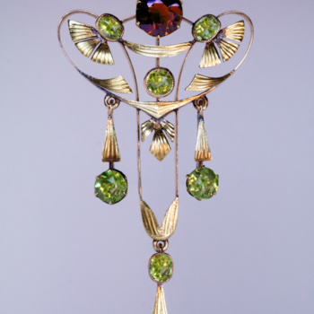 Art Nouveau Russian demantoid, red garnet, chrysolite antique pendant