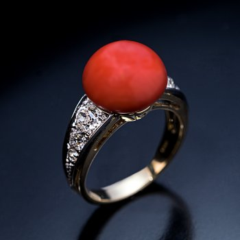 Art Deco vintage coral and diamond ring