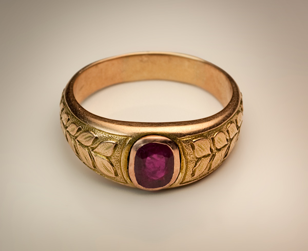 Unique Vintage Ruby Jewelry - Men's Ruby and Gold Ring - Antique Jewelry  LI73