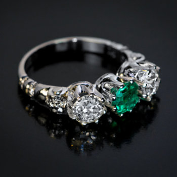 vintage three stone emerald diamond platinum ring